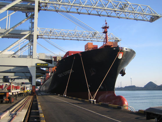 Heavy Fuel Oil (HFO) additive dosing unit for ship engines